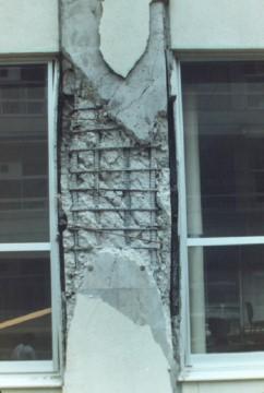 宮城県泉高校の鉄筋コンクリート柱